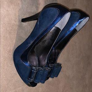 Nine West suede blue peep toe pumps